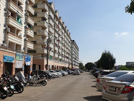 ห้องชุดเลขที่ 130/129 อาคารบี อาคารชุดมหานครธานี 2 ซอยเชื่อมสัมพันธ์ 9 ถนนเชื่อมสัมพันธ์ กระทุ่มราย หนองจอก กรุงเทพมหานคร