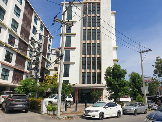 ห้องชุดเลขที่ 808/21 ชั้น 3 อาคารชุดเดอะเซ็นเตอร์คอนโดมิเนียม ซอยพหลโยธิน 72 ถนนพหลโยธิน คูคต ลำลูกกา ปทุมธานี