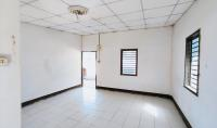 ขายบ้านพักอาศัย เลขที่ 489,489/1 อาคาร  ชั้น - หมู่บ้าน - ซอย ไม่มีชื่อ ถนน ชยางกูร (ทล.212) ขามใหญ่ เมืองอุบลราชธานี อุบลราชธานี ขนาด 0-1-19.00 ของ ธนาคารกสิกรไทย