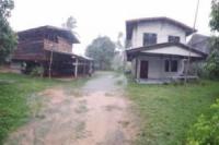 บ้านครึ่งตึกครึ่งไม้หลุดจำนอง ธ.ธนาคารไทยพาณิชย์ •โนนเพ็ก •เมืองศรีสะเกษ •ศรีสะเกษ