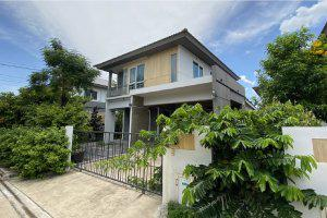 บ้านเดี่ยว โครงการ Villaggio พระราม 2 : 44/408 ซอย บางกระดี่ 35/1 (ซอย 23 ในโครงการ) ถนน บางกระดี่ แขวงแสมดำ เขตบางขุนเทียน กรุงเทพมหานคร (พิกัด : 13.61132695,100.41840266)