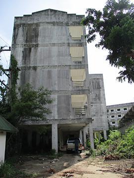 ห้องชุดเลขที่ 190/206 ชั้น 2 อาคารเลขที่ 1 ถนนสายเลียบหาดแม่รำพึง เพ เมือง จังหวัดระยอง