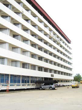 อาคารชุดปึกเตียน บีช  คอนโดเทล 3 ห้องชุดเลขที่ 417 (3417)  ชั้นที่ 4 อาคารเลขที่ 1  ถนนหาดเจ้าสำราญ-ปึกเตียน (คันกั้นน้ำเค็ม) ปึกเตียน(หนองจอก) ท่ายาง จังหวัดเพชรบุรี
