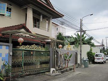 เลขที่ 12/6 ถนนเลี่ยงเมือง-ปากเกร็ด ซอยเลี่ยงเมือง-ปากเกร็ด ซ.9 บางพูด (บ้านอ้อย) ปากเกร็ด (ตลาดขวัญ) จังหวัดนนทบุรี
