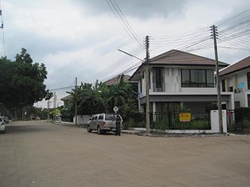 บ้านเลขที่ 130/349  หมู่บ้านสัมมากร รังสิตคลอง 7 ถนนรังสิต-นครนายก ลำผักกูด ธัญบุรี จังหวัดปทุมธานี