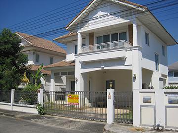 หมู่บ้านเพอร์เฟคเพลส(เฟส4)  บ้านเลขที่ 90/218 ถนนลาดกระบัง ซอยลาดกระบัง 20/3 ราชาเทวะ บางพลี จังหวัดสมุทรปราการ