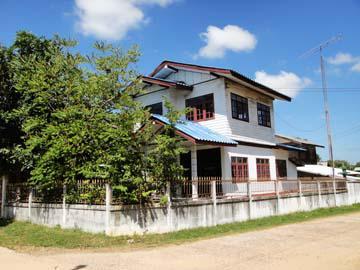 บ้านเลขที่ 135 หมู่ 4 เมืองเปลือย ศรีสมเด็จ จังหวัดร้อยเอ็ด