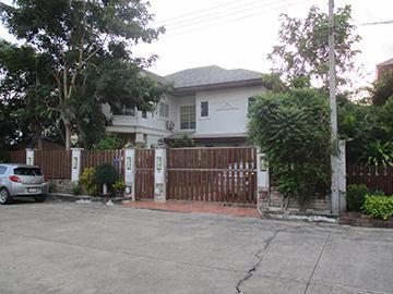 หมู่บ้านเอกลักษณ์ บ้านเลขที่ 291/28 ถนนถนนสุคนธวิท ตลาดกระทุ่มแบน กระทุ่มแบน จังหวัดสมุทรสาคร