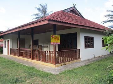 ไม่ปรากฏเลขทะเบียน ถนนถนนสายรอบเกาะสมุย (ทบ.4169) บ่อผุด เกาะสมุย จังหวัดสุราษฎร์ธานี