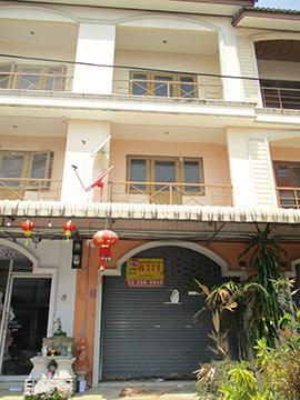 บ้านเลขที่ 4/3 คลองกระแซง เมืองเพชรบุรี จังหวัดเพชรบุรี