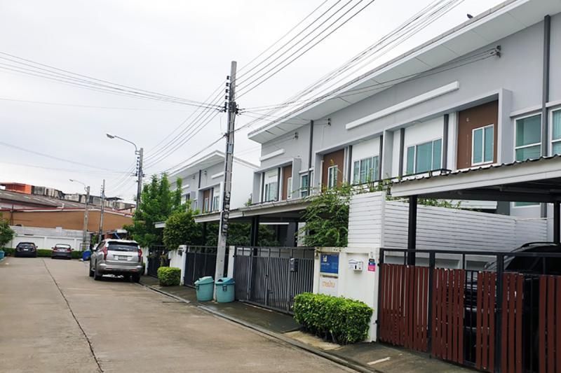 99/47 หมู่บ้านไลโอ รัตนาธิเบศน์-เวสต์เกต ถนนกาญจนาภิเษก เสาธงหิน บางใหญ่ นนทบุรี