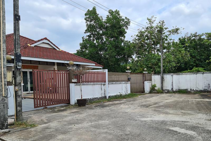 142/42 หมู่บ้านพลอยไพลิน ซอยหมู่บ้านพลอยไพลิน2 ถนนเพชรเกษม(ทล.4) บางนายสี ตะกั่วป่า พังงา