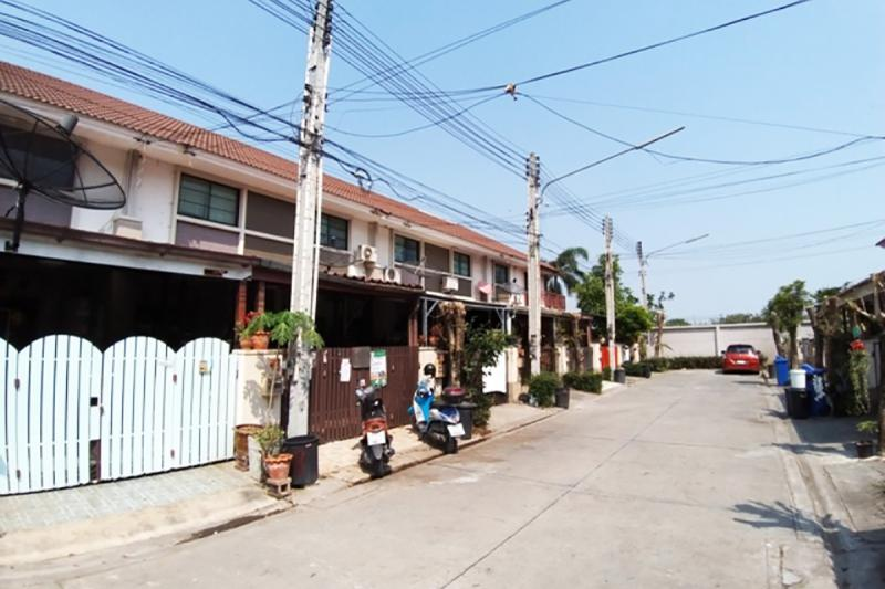 100/367 หมู่บ้านบาหลี บีช ถนนเทพราช-ลาดกระบัง (ฉช.3001) คลองหลวงแพ่ง เมืองฉะเชิงเทรา ฉะเชิงเทรา