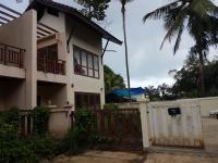 ขายบ้านแฝด บ้านเลขที่ 42/43 หมู่3 ซอย ตาหมอถนน สายรอบเกาะสมุย(ทล.4169) บ่อผุด เกาะสมุย สุราษฎร์ธานี ขนาด 0-0-42.60 ของ ธนาคารธนชาต